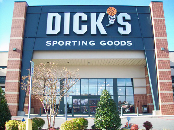 Store front of DICK'S Sporting Goods store in Johnson City, TN