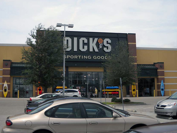 Store front of DICK'S Sporting Goods store in Bradenton, FL
