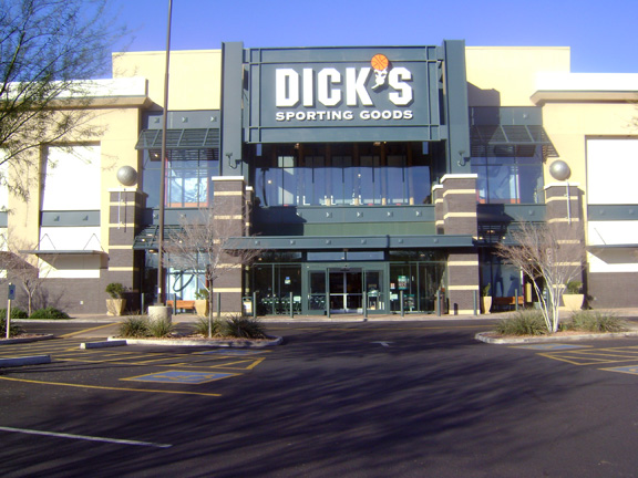 Store front of DICK'S Sporting Goods store in Gilbert, AZ