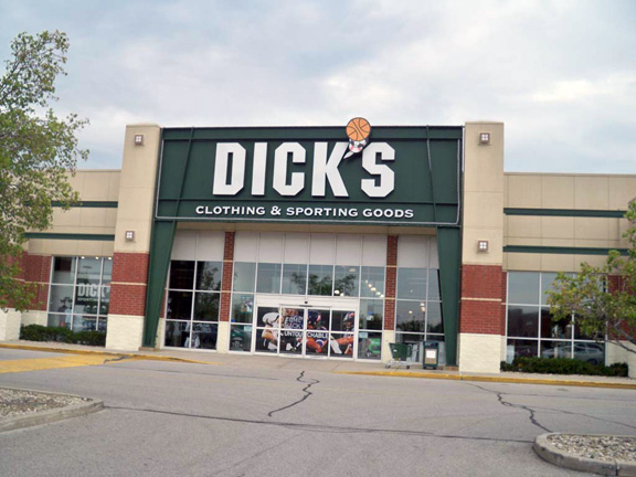 Store front of DICK'S Sporting Goods store in Mishawaka, IN