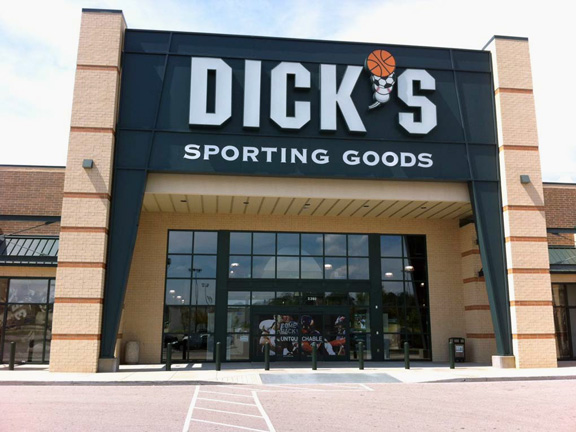 Store front of DICK'S Sporting Goods store in Cordova, TN