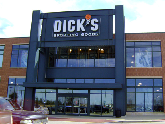 Store front of DICK'S Sporting Goods store in Garland, TX