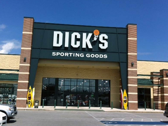 Store front of DICK'S Sporting Goods store in Hanover, PA