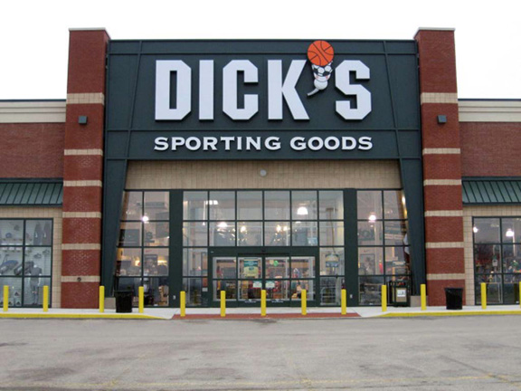 Store front of DICK'S Sporting Goods store in Huber Heights, OH