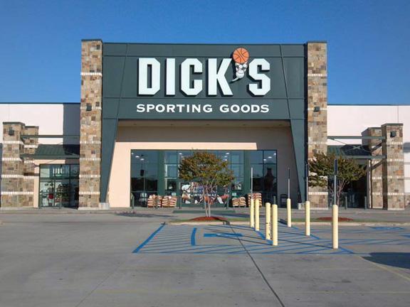 Store front of DICK'S Sporting Goods store in Shreveport, LA