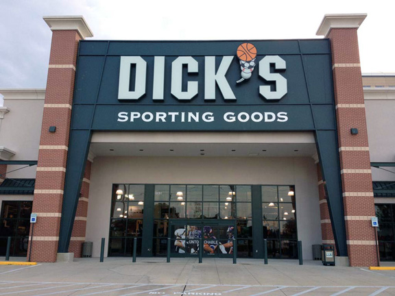 Store front of DICK'S Sporting Goods store in Dallas, TX