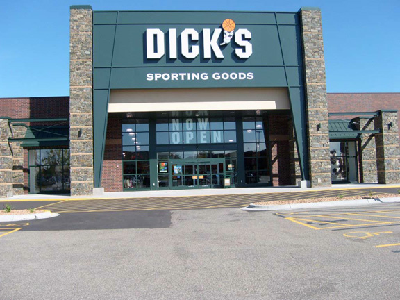 Store front of DICK'S Sporting Goods store in Roseville, MN