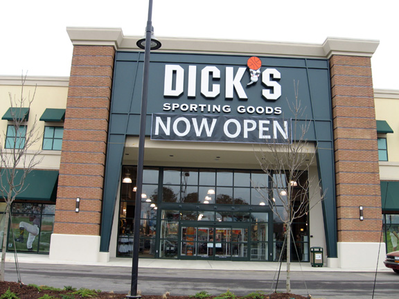 Store front of DICK'S Sporting Goods store in Flowood, MS