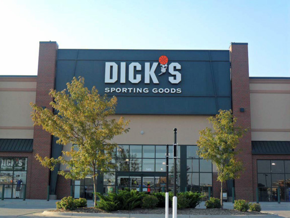 Store front of DICK'S Sporting Goods store in Papillion, NE