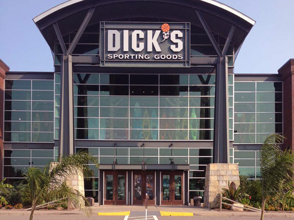 Store front of DICK'S Sporting Goods store in Rochester, NY