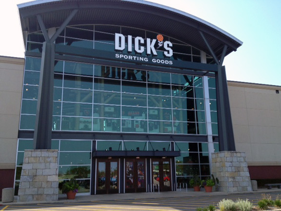 Store front of DICK'S Sporting Goods store in Niles, IL