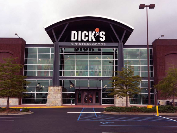 Store front of DICK'S Sporting Goods store in Hoover, AL