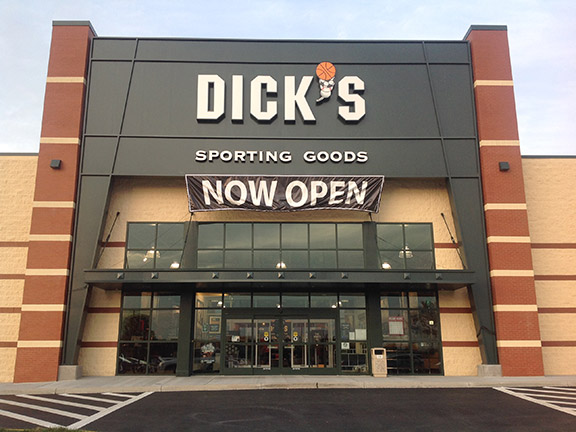Store front of DICK'S Sporting Goods store in Frederick, MD