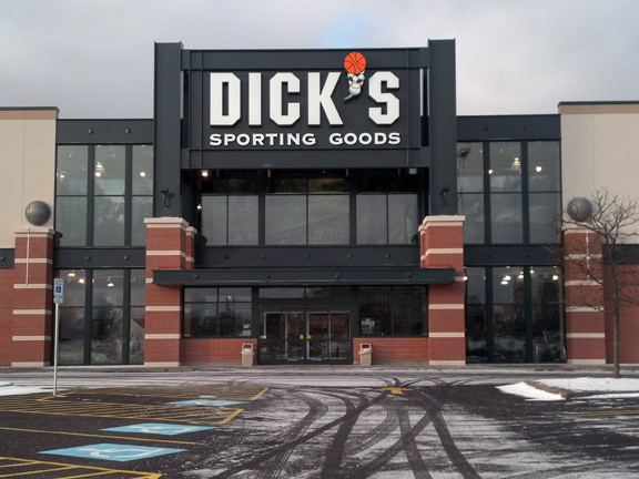 Store front of DICK'S Sporting Goods store in Pittsburgh, PA