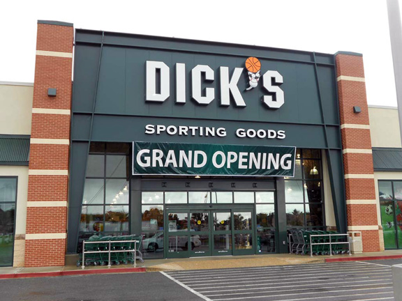 Store front of DICK'S Sporting Goods store in Brunswick, GA