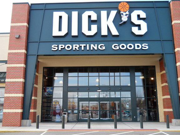 Store front of DICK'S Sporting Goods store in Suffolk, VA