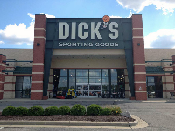 Store front of DICK'S Sporting Goods store in Ontario, OH