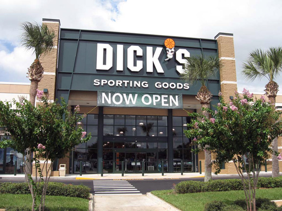 Store front of DICK'S Sporting Goods store in Daytona Beach, FL