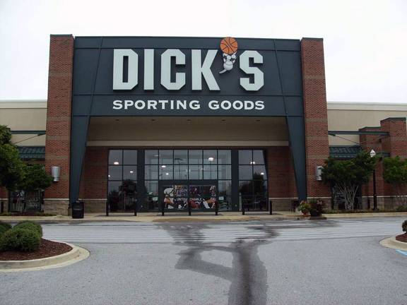 Store front of DICK'S Sporting Goods store in Opelika, AL