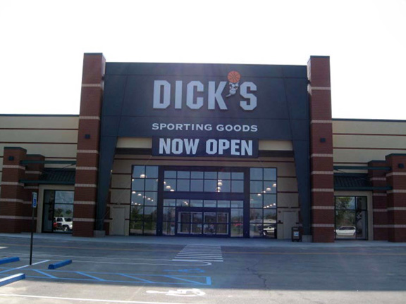 Store front of DICK'S Sporting Goods store in Tupelo, MS