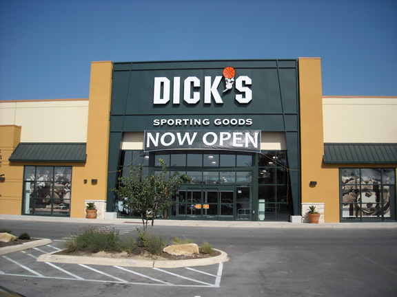 Store front of DICK'S Sporting Goods store in San Antonio, TX