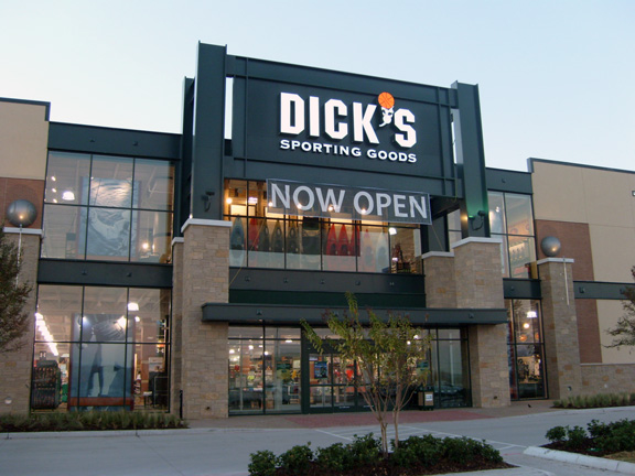 Store front of DICK'S Sporting Goods store in Allen, TX