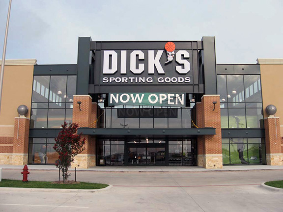 DICK'S Sporting Goods Store in Pflugerville, TX