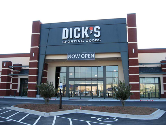 Store front of DICK'S Sporting Goods store in Loganville, GA