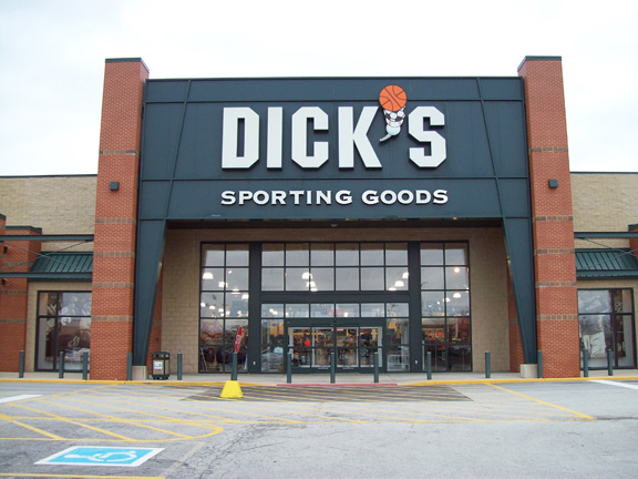 DICK'S Sporting Goods Store in Highland, IN
