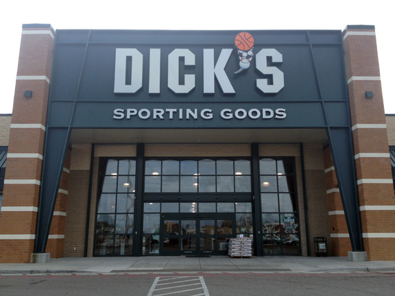 Store front of DICK'S Sporting Goods store in d'Iberville, MS