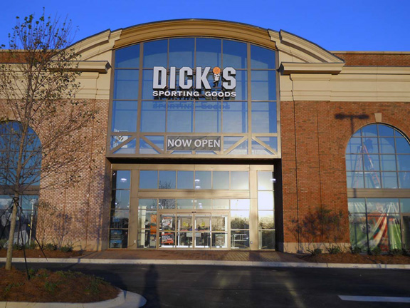 Store front of DICK'S Sporting Goods store in Madison, MS
