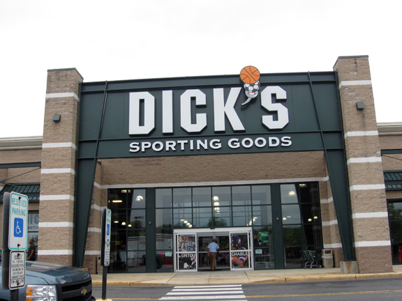 Store front of DICK'S Sporting Goods store in Burlington Twp, NJ