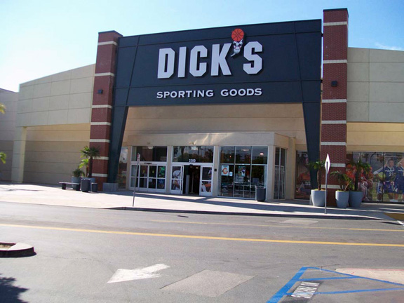 Store front of DICK'S Sporting Goods store in West Covina, CA