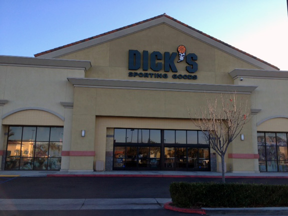 Store front of DICK'S Sporting Goods store in Murrieta, CA
