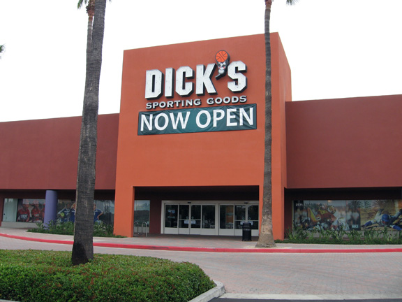 Store front of DICK'S Sporting Goods store in Tustin, CA
