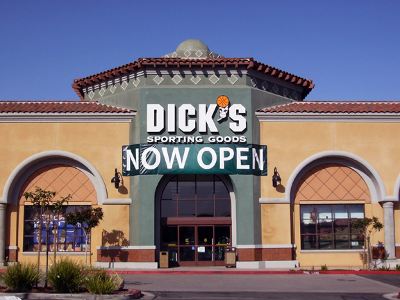 Store front of DICK'S Sporting Goods store in Moorpark, CA