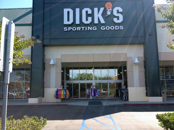 Store front of DICK'S Sporting Goods store in Yorba Linda, CA