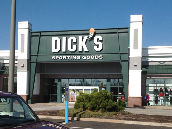 Store front of DICK'S Sporting Goods store in Willow Grove, PA